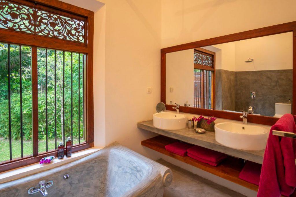 Bedroom 3 - Bathroom